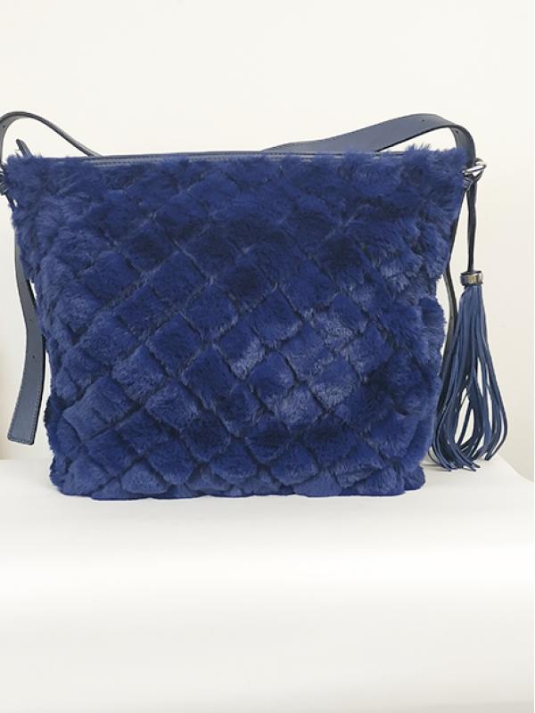Μπλε τσάντα ώμου με γούνα